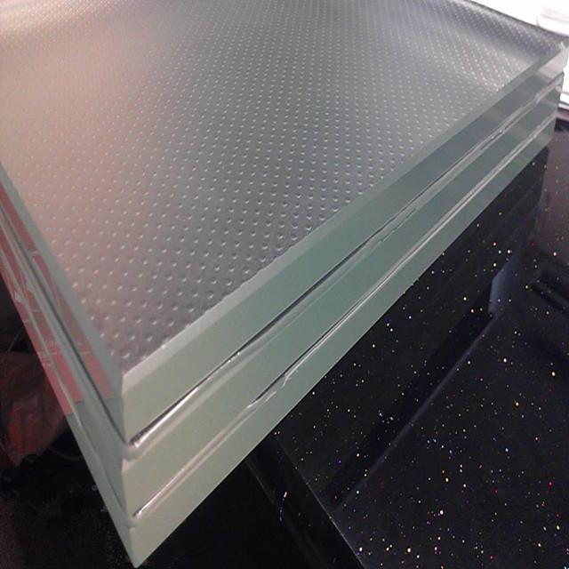 Anti slip glass floor glass spiral stair for glass walk floors